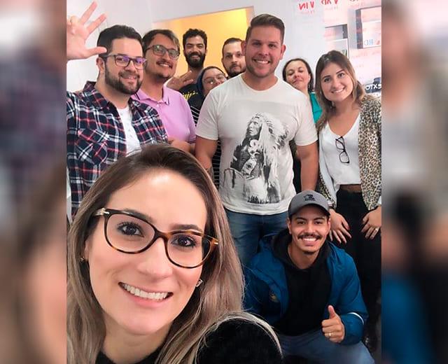 Cliente super 10 ENVOX Marketing Digital - Agência de Marketing Digital focada em Inbound Marketing em Curitiba - Gustavo Braga e Talita Bridum