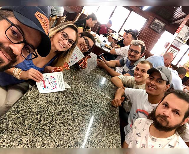 Almoço com a galera da ENVOX Marketing Digital - Agência de Marketing Digital focada em Inbound Marketing em Curitiba - Gustavo Braga e Talita Bridum